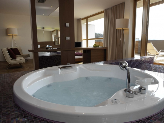 Balance_Resort_Whirlpool