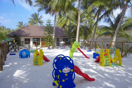 lily_beach_kids_playground